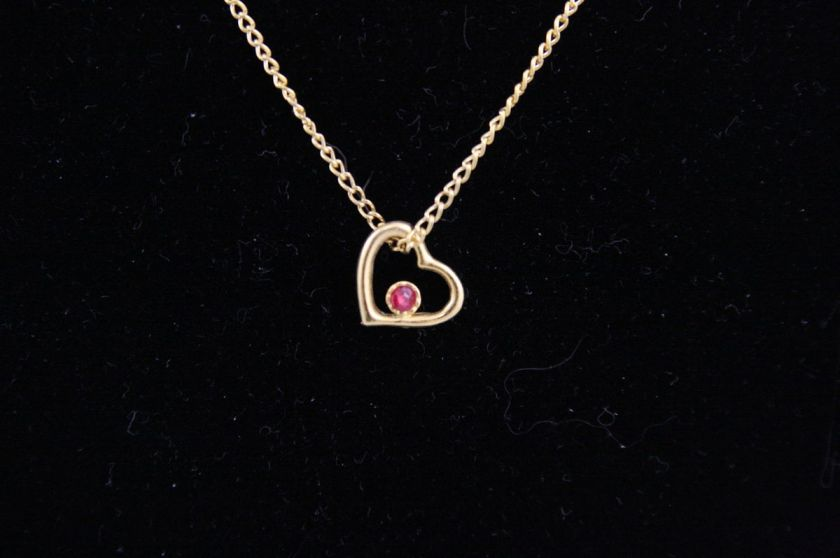 VINTAGE VALENTINES DAY HEART RED STONE GOLDTONE DELICATE CHAIN PENDANT